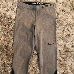 $18!! Nike Pro Dri- Fit Capris - M